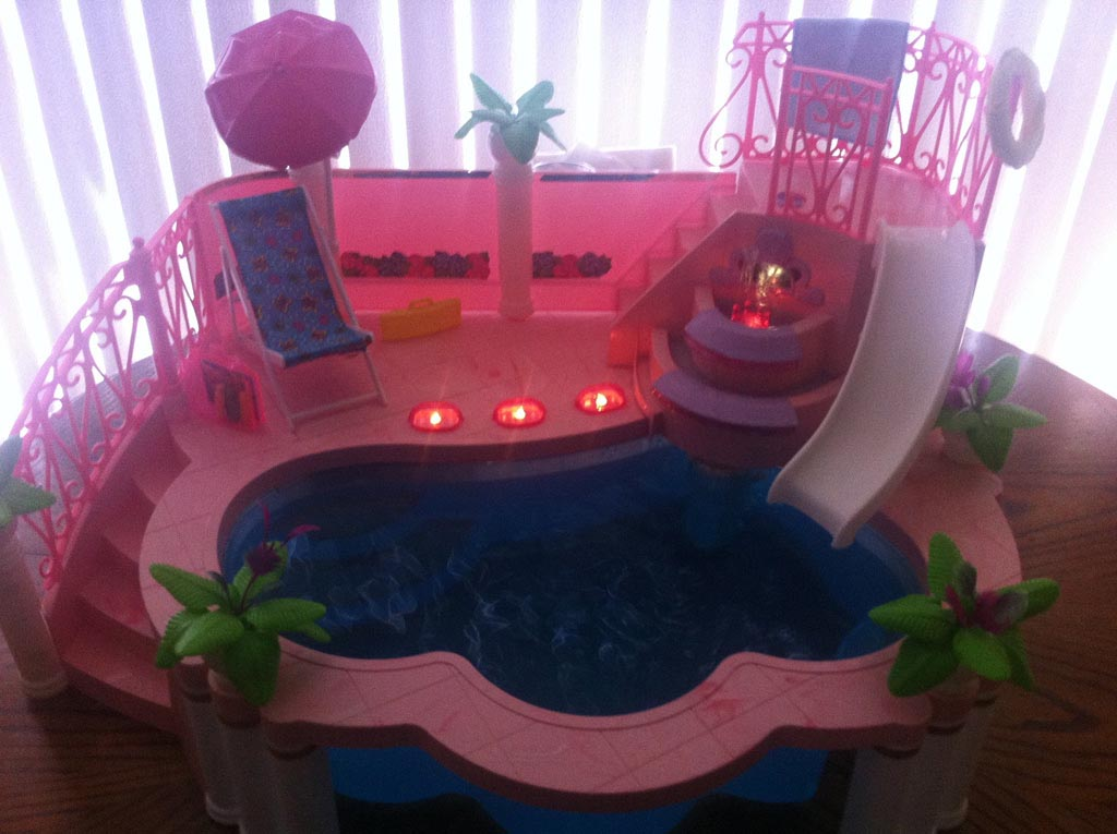 Barbie Fountain Pool