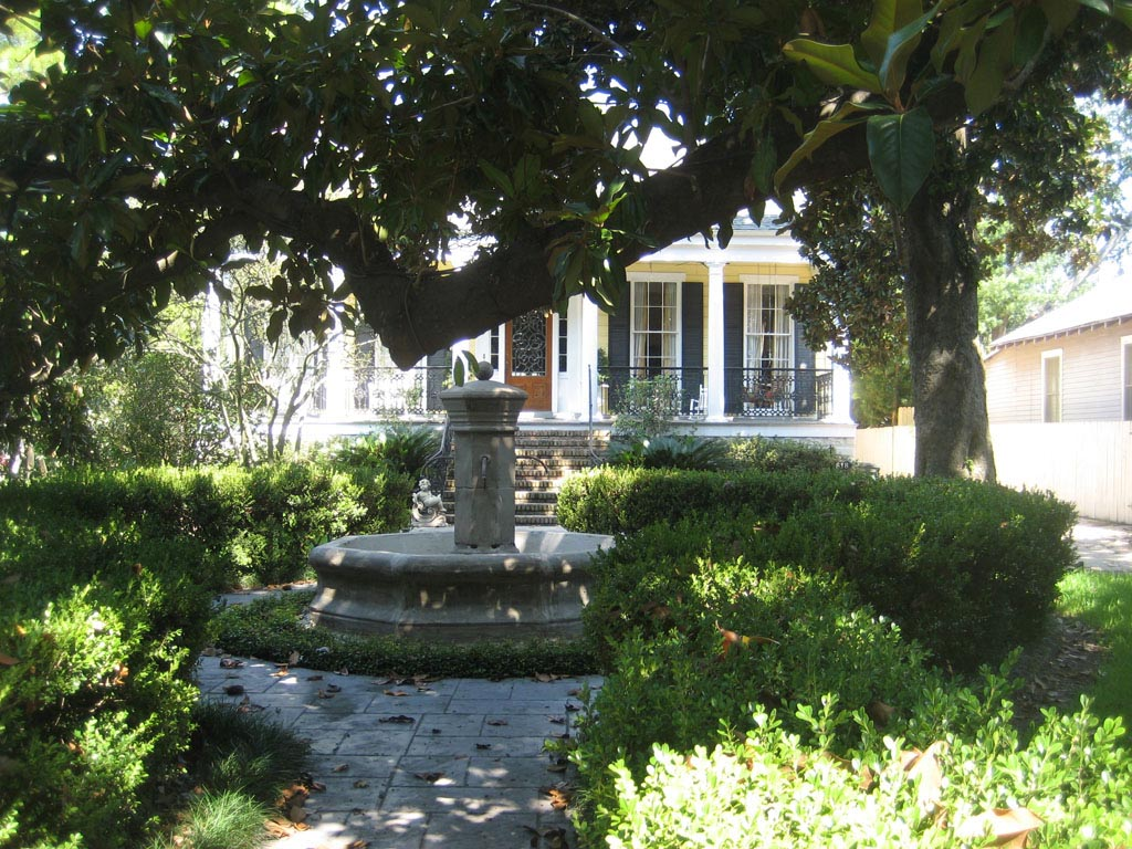 Front Yard with Fountain