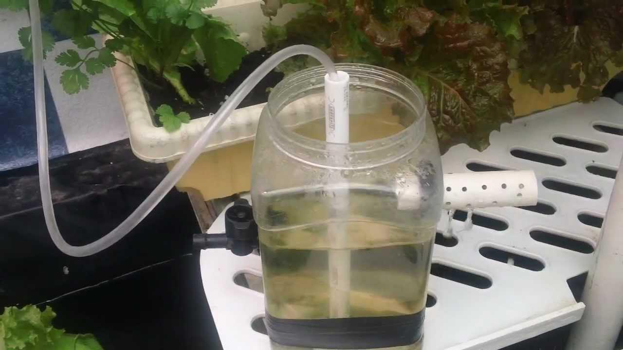 How to Make a Small Water Fountain Without Electricity