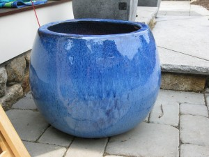 How to Make a Water Fountain Out of Pots