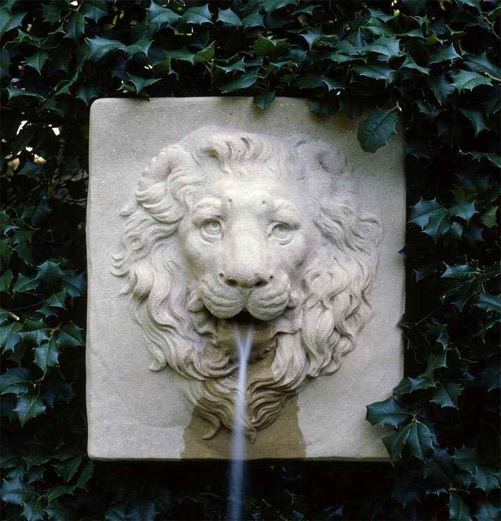 Lion Garden Fountain