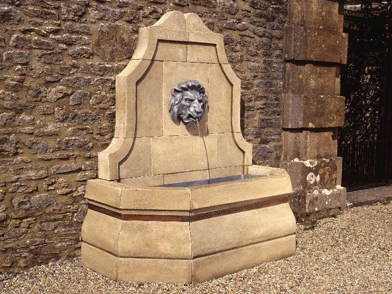 Lion Head Water Fountain