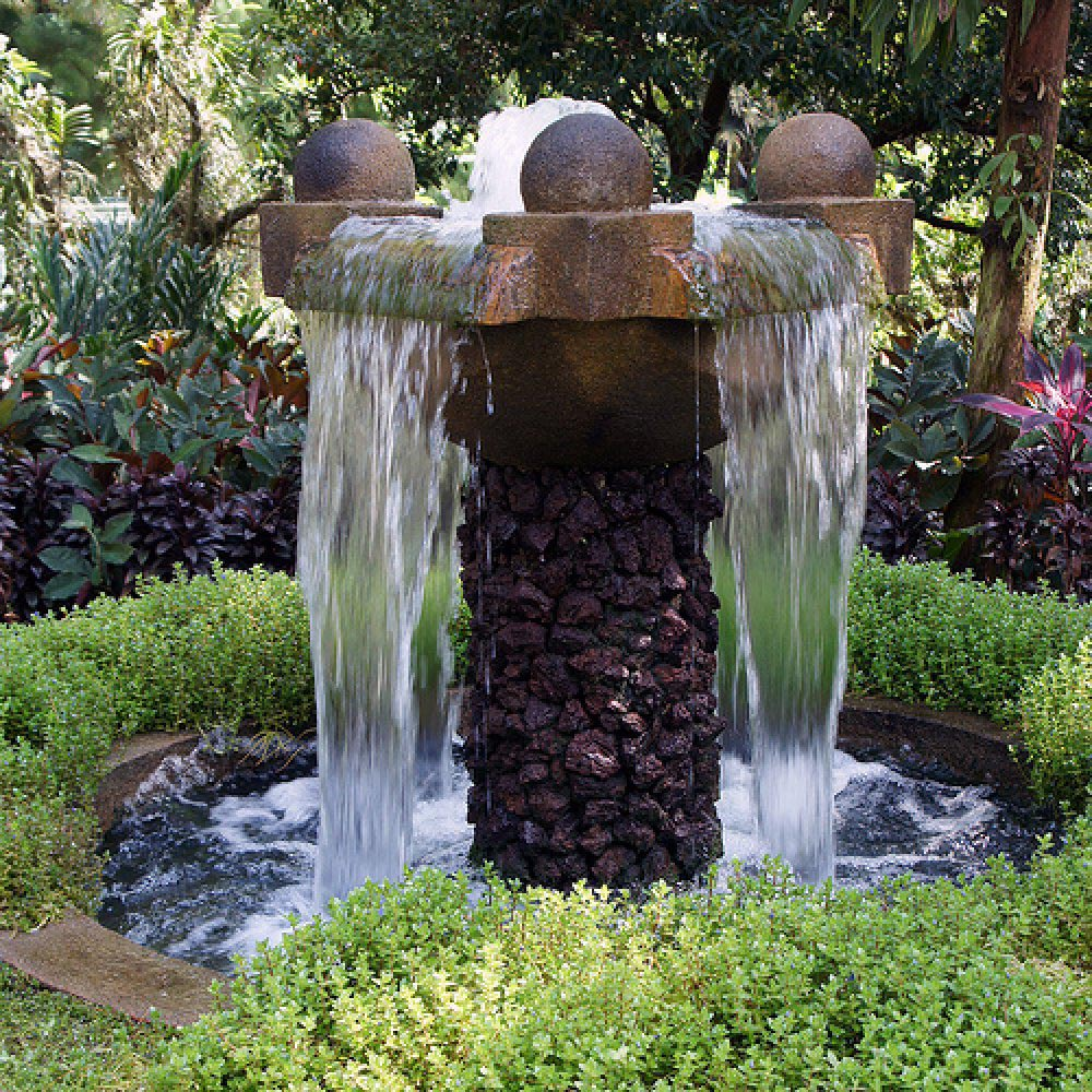 Outdoor waterfall fountain fountain design ideas for Waterfall garden feature
