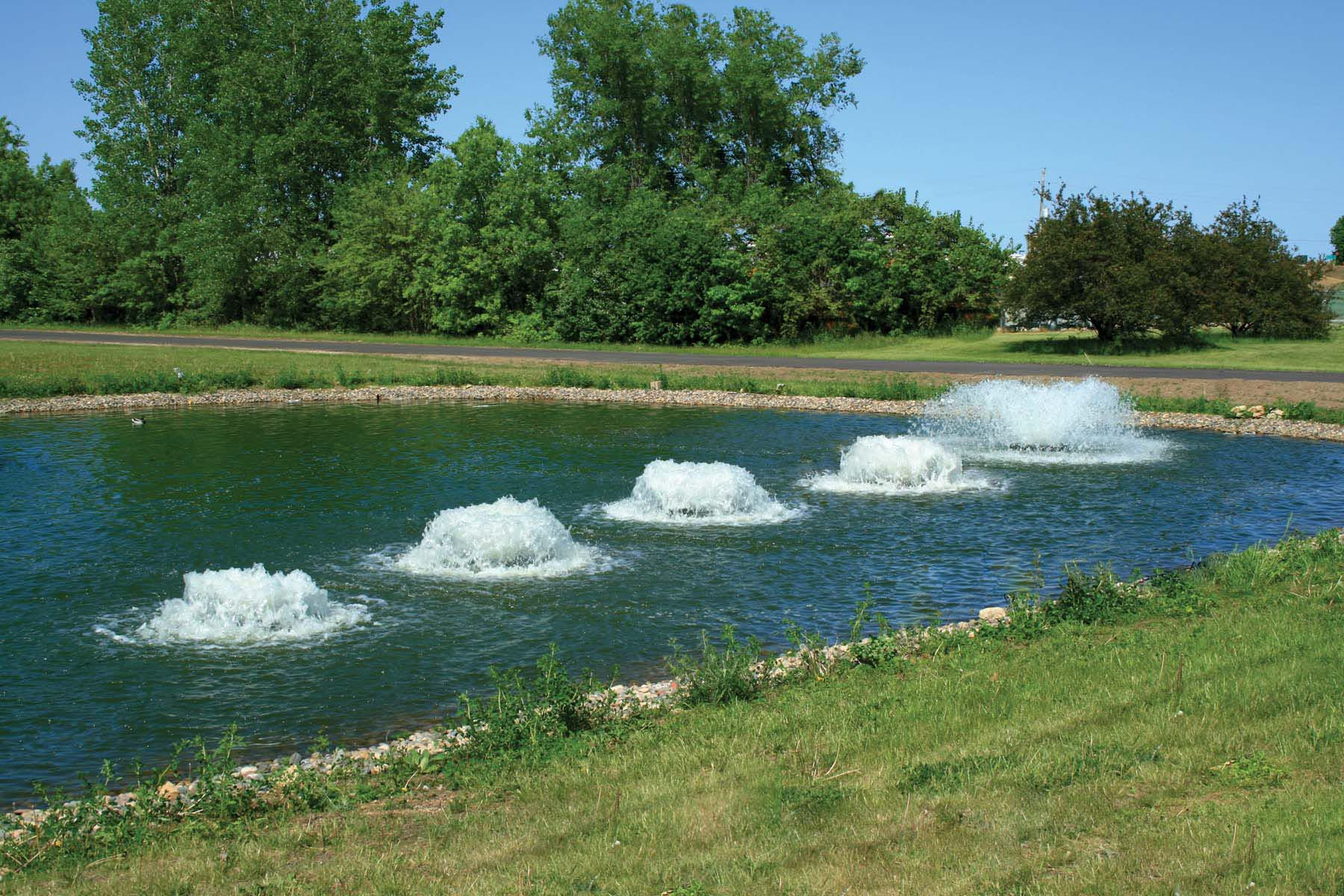 Pond aerator fountain fountain design ideas for Pond water fountains
